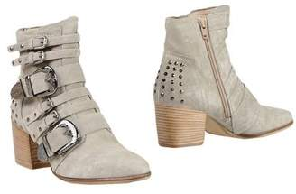 Donna Carolina Ankle boots