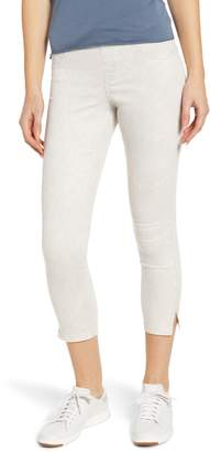 Hue Sunwashed Ultrasoft Denim Capri Leggings