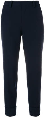 Closed cropped suit trousers