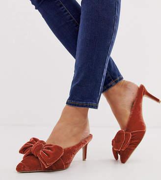 Asos Design DESIGN Wide Fit Wonder pointed mid-heeled bow mules in rust velvet