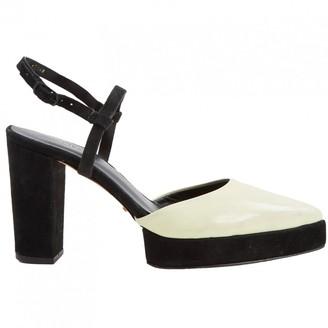 OSKLEN Ecru Patent leather Heels