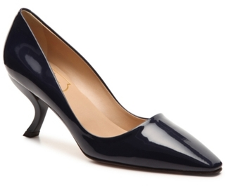 Final Sale - Roger Vivier Patent Leather Curved Pump $745 thestylecure.com