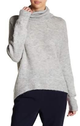 Vero Moda Duarte Metallic Asymmetrical Hem Sweater