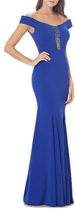 Women's Carmen Marc Valvo Infusion Off The Shoulder Mermaid Gown $425 thestylecure.com