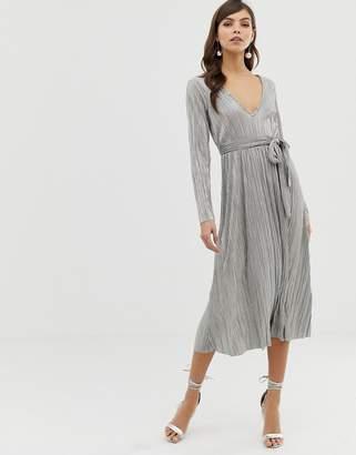 Asos Design DESIGN metallic plisse tie belt midi skater dress
