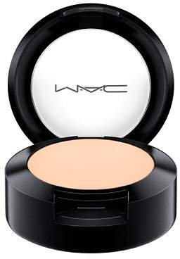 M·A·C MAC Studio Finish SPF 35 Concealer