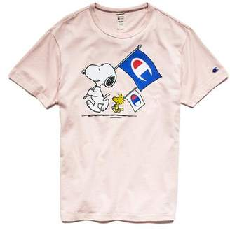 Todd Snyder + Champion Champion X Peanuts Snoopy and Woodstock Flag Tee in Peony