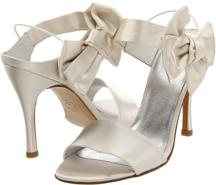 Stuart Weitzman & Evening Collection - Bigbow (Ivory Satin) - Footwear