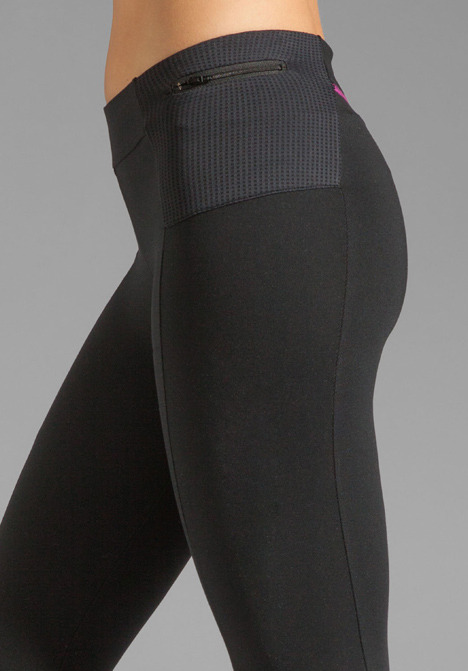 So Low Eclon Contrast Stitch Crop Legging in Black/Azalea