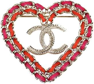 Chanel Pink Metal Pins & brooches