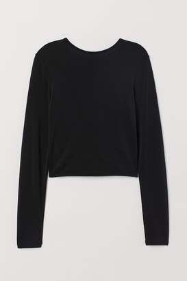 H&M Top with a V-neck back