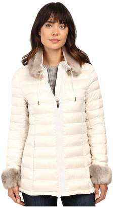 Via Spiga Short Puffer with Detachable Chic Faux Fur Collar Women's Coat