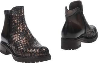 Donna Più Ankle boots - Item 11253258