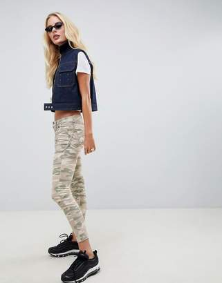 Asos Design WHITBY Low Rise Skinny Jeans In Camo Print with Detachable Chain