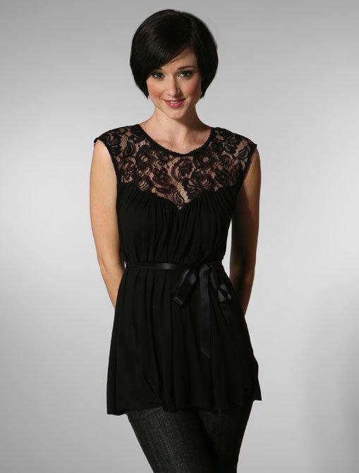 Velvet Rubia Lace Cap Sleeve Top in Black