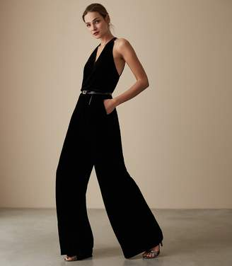 Reiss Our last order date for Christmas has now passed HAILIE VELVET STRAPPY JUMPSUIT Black