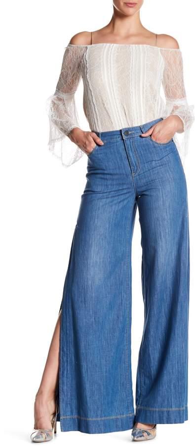 alice + olivia Clarissa Wide Leg Side Split Jeans
