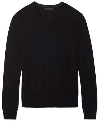 Banana Republic Slim-Fit Silk Cotton Cashmere V-Neck Sweater