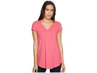Mod-o-doc Slub Jersey Seamed V-Neck Tee with Shirttail Hem Women's T Shirt