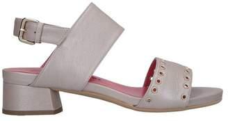 Pas De Rouge Sandals