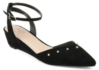 Journee Collection Aticus Wedge Pump