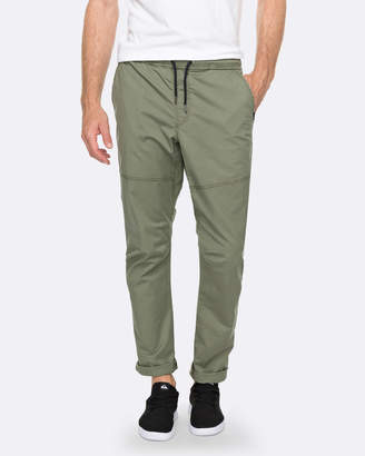 Quiksilver Mens Foxoy Straight Tapered Fit Pant
