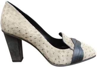 40829badceed Elie Tahari Beige Leather Heels