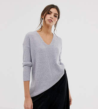Oasis sweater with v-neck in gray
