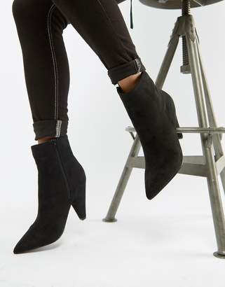 Glamorous black pointed ankle boots with cone heel
