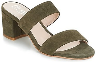 Betty London INALO women's Mules / Casual Shoes in Green