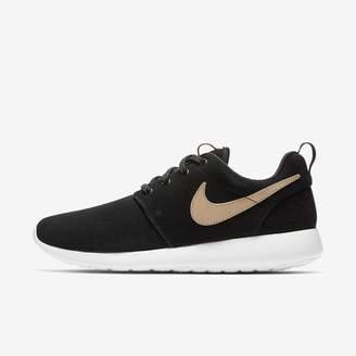 Nike Women's Shoe Roshe One Premium