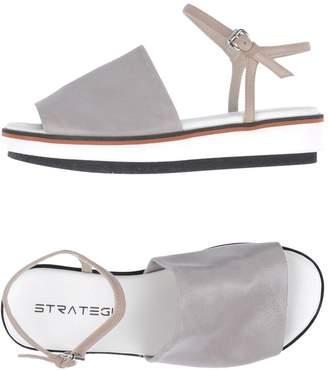 Strategia Sandals