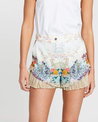 Camilla Shorts with Pleat Underlay