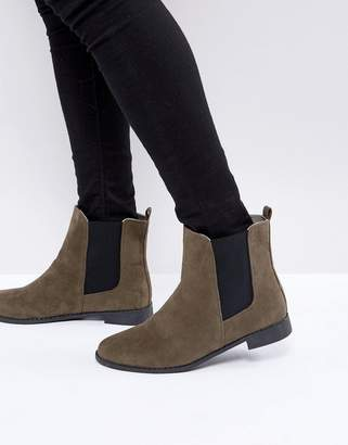 Brave Soul Chelsea Boots In Brown