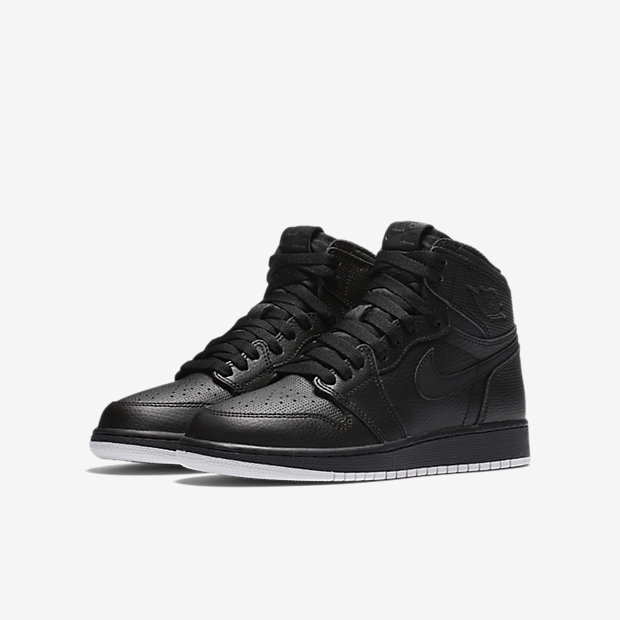 Air Jordan 1 Retro High OG Big Kids' Shoe 12