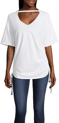 PROJECT RUNWAY Project Runway V-Neck Graphic Tape Tee
