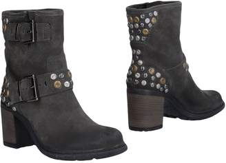 Francesco Morichetti Ankle boots