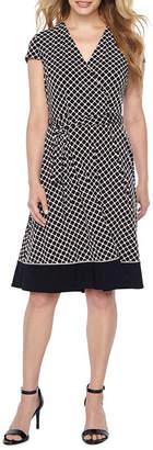 Studio 1 Short Sleeve Squares Wrap Dress-Petites