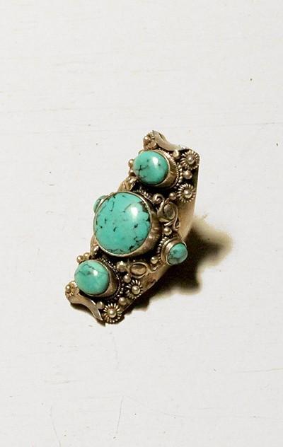 Soixante neuf Fancy Five Stone Ring