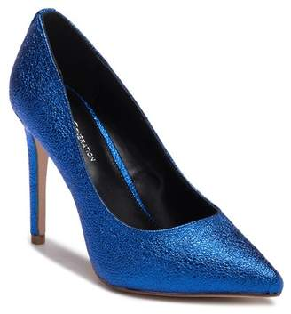 BCBGeneration Heidi Crackle Metallic Pump
