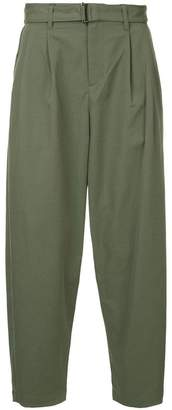 Attachment pleated trousers