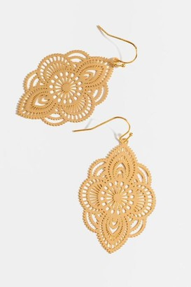 francesca's Sadie Filigree Chandelier Earrings - Gold