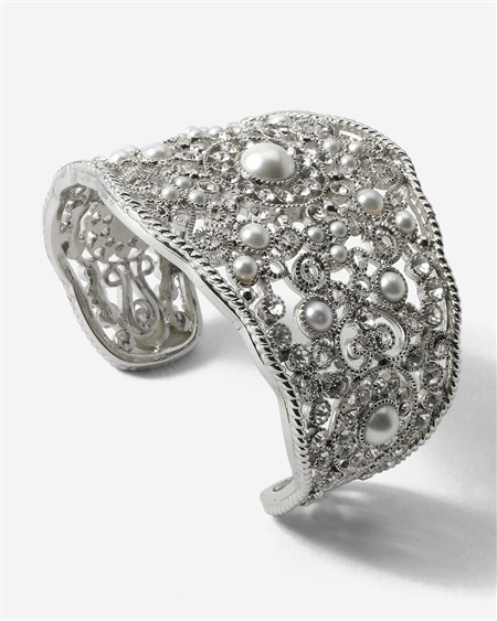 White House Glass-Pearl Crystal Cuff