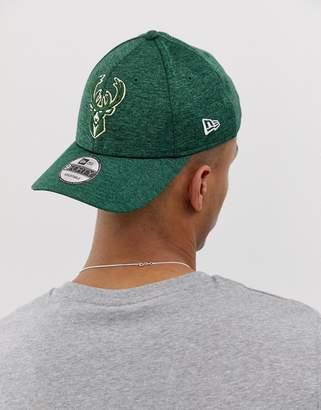 get cheap 08e0c bd116 New Era Shadow Tech 9Forty Milwaukee Bucks adjustable cap in green