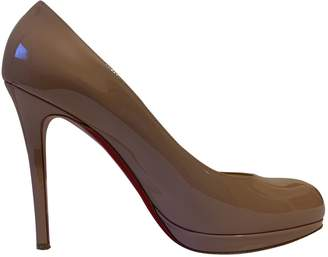Christian Louboutin Simple pump Beige Patent leather Heels