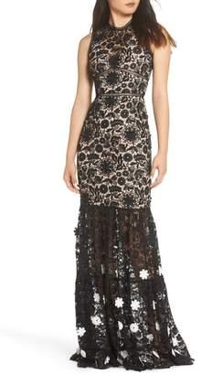ML Monique Lhuillier 3D Black & White Floral Lace Gown