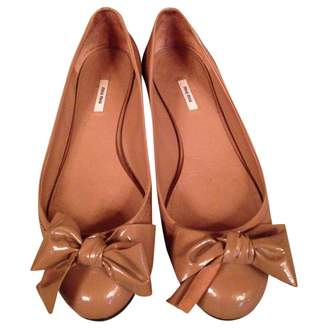 Miu Miu Camel Patent leather Ballet flats