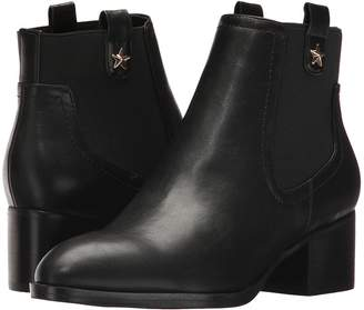 Tommy Hilfiger Roxy 2 Women's Shoes
