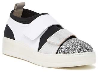Manas Design Cap Toe Sneaker