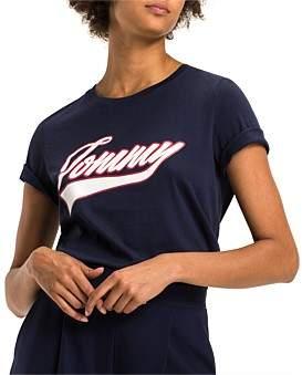 Tommy Hilfiger Tommy Logo Script Prt Tee Ss